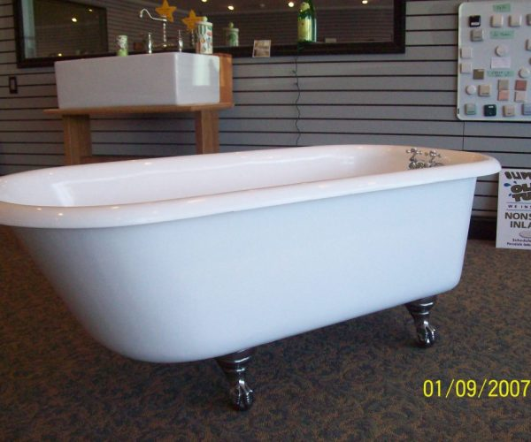 5ft x 30 Tub white interior exterior polished iron feet 001
